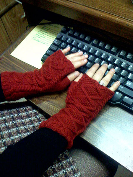 rose_wristwarmers.jpg